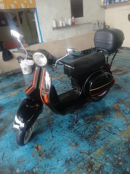 Moto Vespa Italiana Original. Llantas Nuevas De 10 / 10