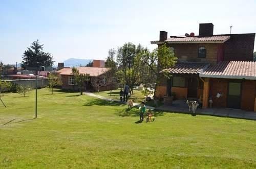 Dos Casas Con Enorme Jardin