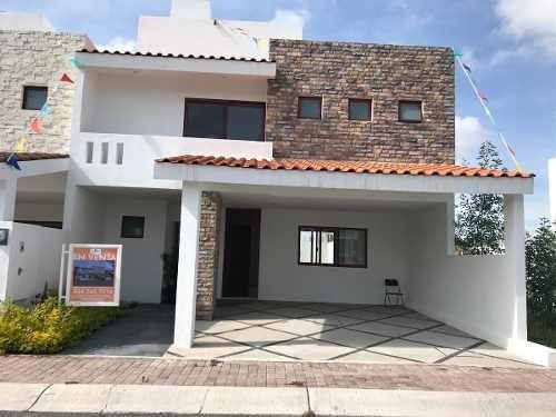 Casa En Condesa De Juriquilla Nueva.