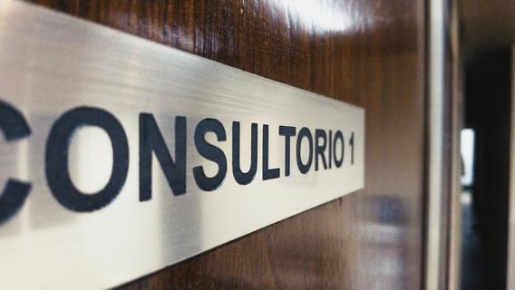 Alquiler De Consultorios Villa Pueyrredón Sobre Calle Pareja