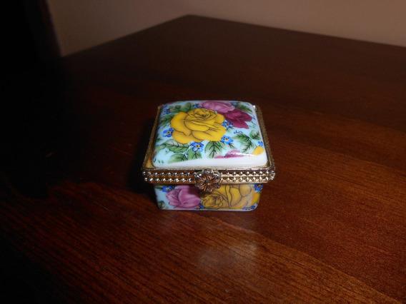 Porta Jóias De Porcelana Com Motivos Florais (rosas)