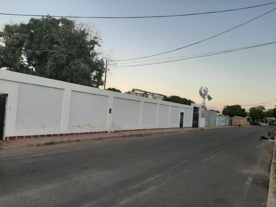 Casa Comercial Con Terreno