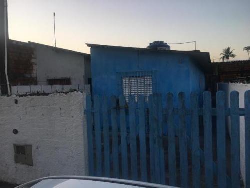 Casa 1 Dorm 1 Wc E Área De 120m² 7063