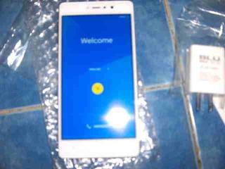 Celular Blu Vivo 5r Refresh Dual Sim 3gb Ram 32gb Rom 13mp 8