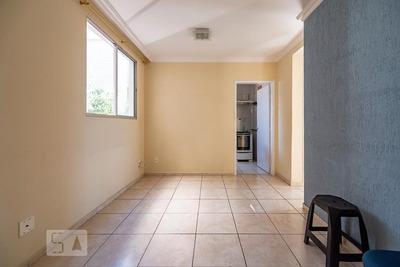 Apartamento No 3º Andar Com 2 Dormitórios E 1 Garagem - Id: 892932169 - 232169