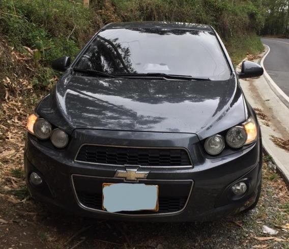 Chevrolet Sonic 2013 4 Puertas Sunrof