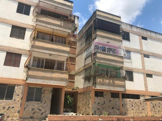 Apartamento En Venta Cabudare Centro 19-14267 Icp