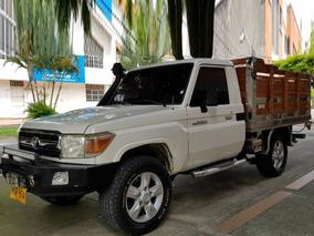 2011 Toyota Macho Estacas 2011 Blindada 2011