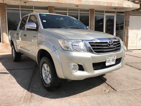 Toyota Hilux 2.7 Cabina Doble Sr Mt 2013