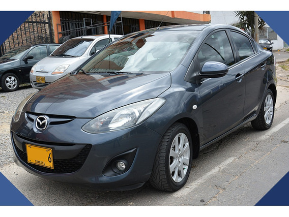 Mazda 2 2012 Sedán