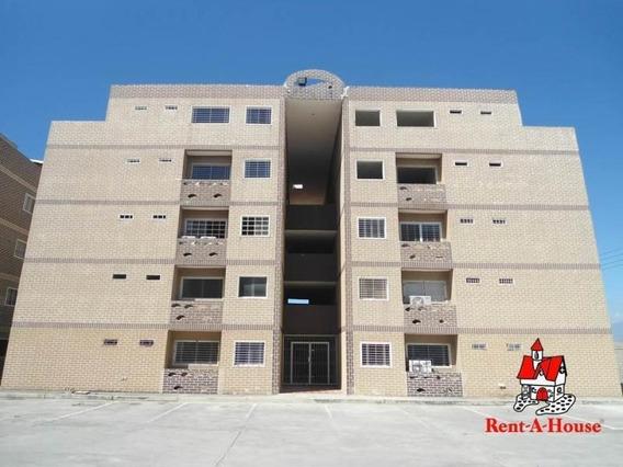 Apartamento En Venta Urb La Cienaga Cod. 20-4428