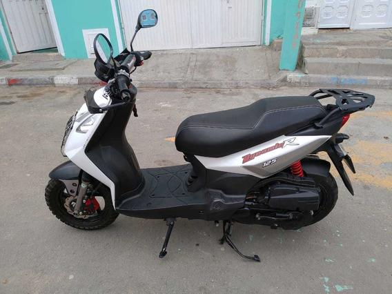 Vendo Linda Moto Akt Dinamic R 125 Papeles Nuevos