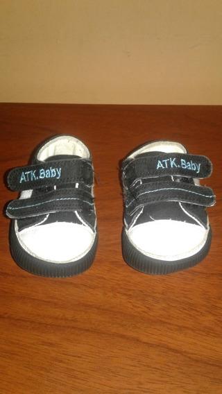 Zapatillas Bebes Atomik Con Abrojo, Talle 15
