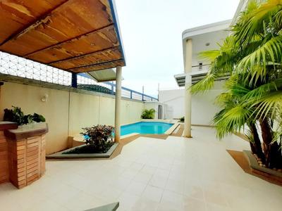 Amplia Y Bella Casa En La Av. Baralt Mls 20-22574 Ln