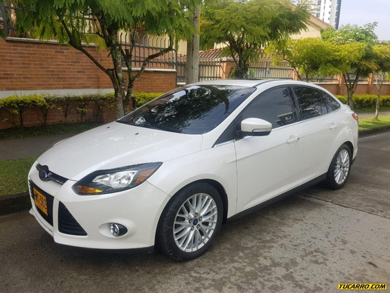 Ford Focus Full Equipo