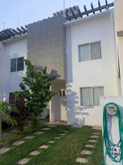 Casa En Playa Del Carmen 3 Recamaras 4 Baños 3pisos Terraza