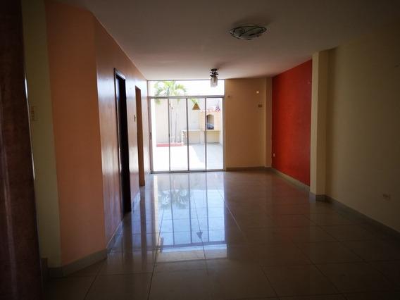 Casa En Alquiler Samborondon Urb Castilla , Guayaquil