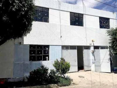 Casa Duplex Remodelada, Col. La Normal.