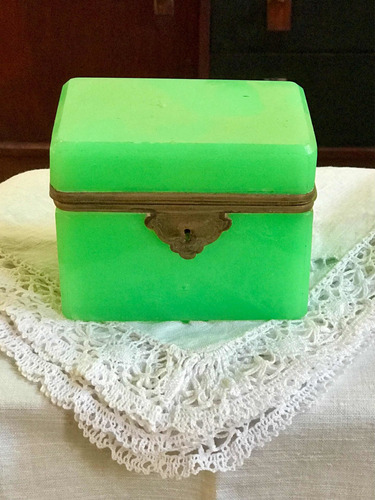 Antigua Caja Cofre Alhajero De Opalina Y Bronce