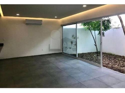 Casa Renta Residencial Palmaris Cancun Alberca Comun Y Seg