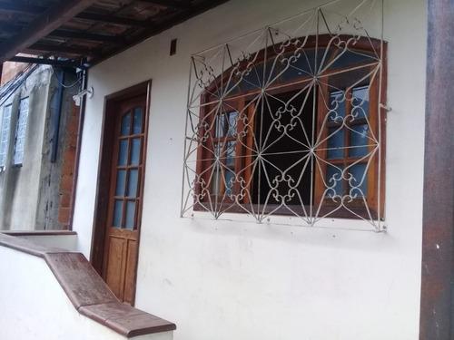 Casa Com 3 Quartos  Varanda Área À Venda, 72 M² - Engenho De Dentro - Aec3042