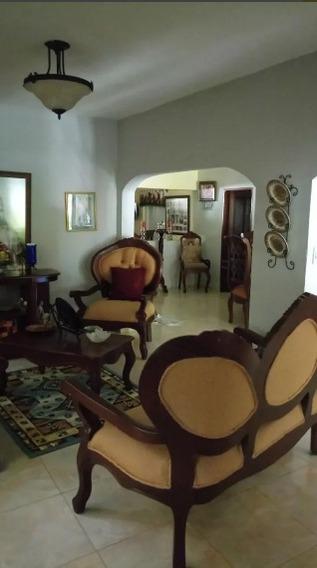 Vivienda En Higuerito, Moca
