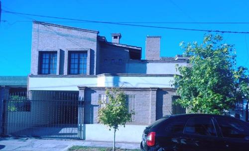 Casa + Departamento B° Villa Cabrera. Renta Asegurada 3.2%