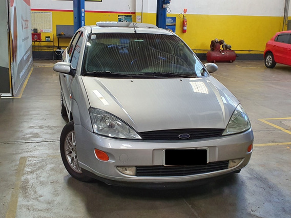 Ford Focus Ghia 2001 Sedan