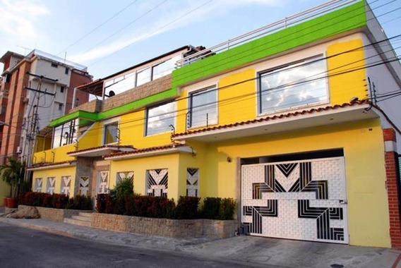 Casa En Urb Barrio Sucre/ Mariana Alchoufi 04243448602