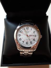 Relógio Citizen Classic Usado Pulseira De Aço Fundo Branco
