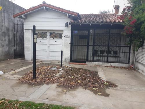 Imagen 1 de 3 de Casa En Moreno Centro Te 5 Cuadras De La Estación**