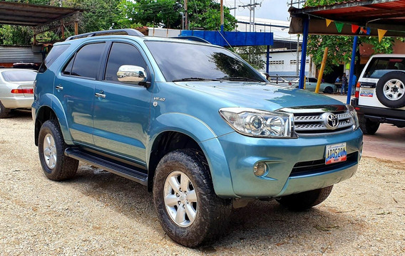 Toyota Fortuner 4x2 Año 2011 Impecable