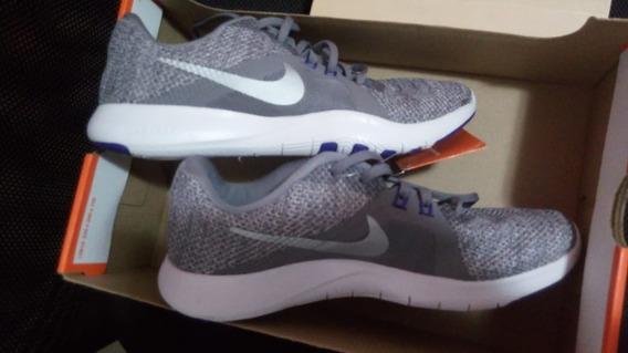 Tênis Nike Flex Trainer 8 - Feminino 36