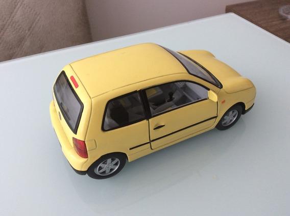 Miniatura Volkswagem Lupo Esc:1/28