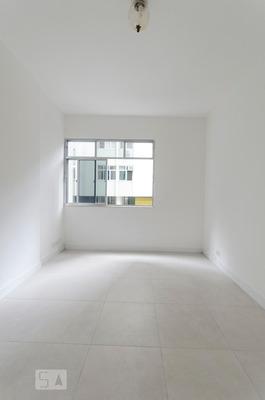 Apartamento No 3º Andar Com 2 Dormitórios - Id: 892821966 - 121966