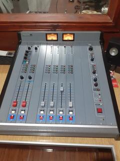 Consola Solidyne 2400