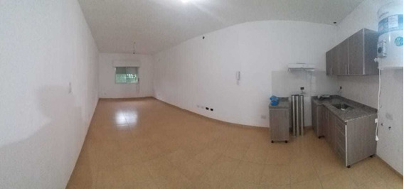 Alquiler De Departamento A Estrenar Mono Ambiente, Calle Das