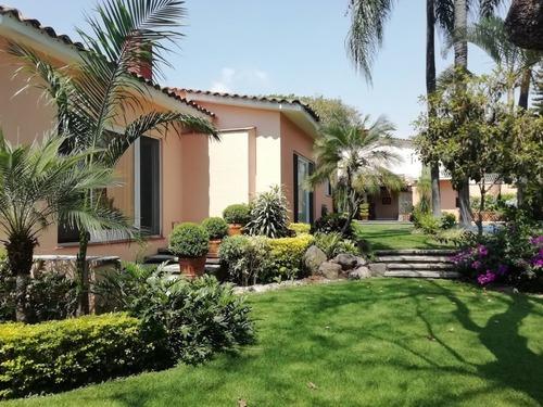 Casa En Privada En Palmira Tinguindin / Cuernavaca - Cam-1600-cp