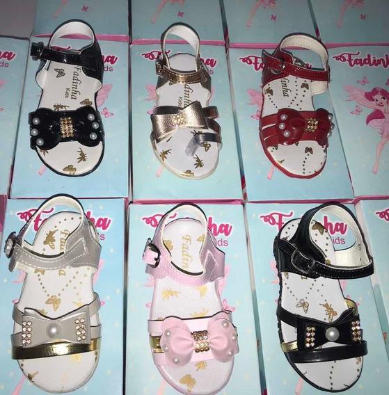 8 Sandálias Infantis