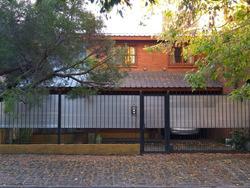 Excelente Casa En Barrio Residencial