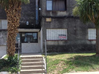 Inmobiliaria Vende Apartamento De Dos Dormitorios Y Baño