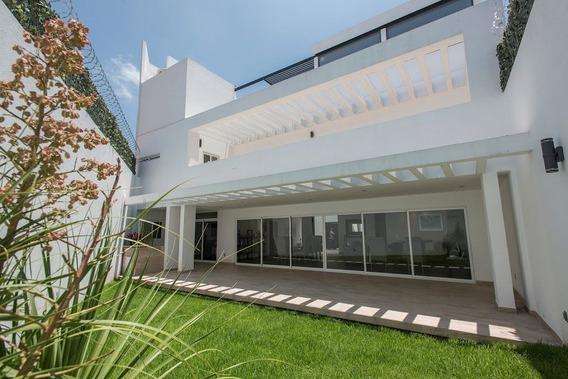 Residencia En Milenio Iii, Garage 4 Autos, Bar, Jardín, Jacu