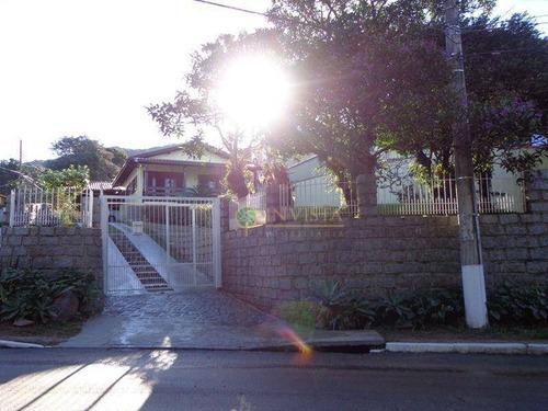 Imagem 1 de 20 de Casa No Campeche Com 3 Dormitórios E 4 Vagas De Garagem. - Ca1687