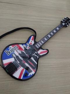 Figura The Beatles Guitarra Decorativa De Resina