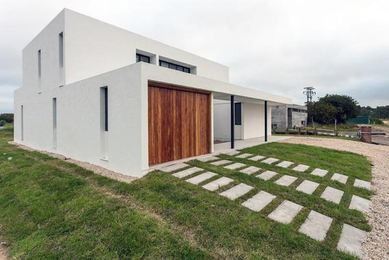 Hermosa Casa Sobre Laguna Ecuestre. 5 Dormi 10pax Dueño
