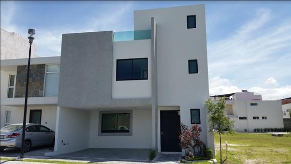 Casa En Venta En Lomas De Angelópolis