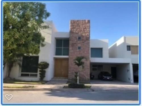 Casa En Venta En Fracc Las Villas