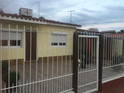 Casa De Dos Dormitorios Mas Local Comercial Con Baño