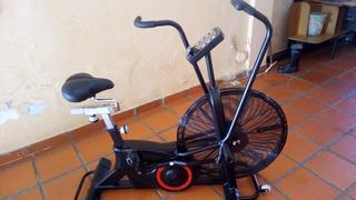 Bicicleta Air Bike Entrenamiento Hiit Como Nueva