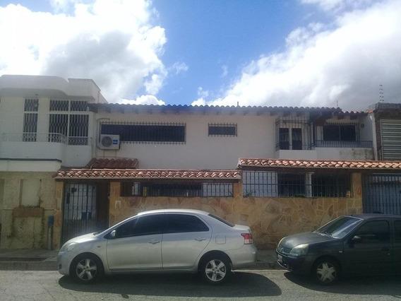 Casa En Venta En Caracas Urbanización Vista Alegre Rent A House Tubieninmuebles Mls 20-376